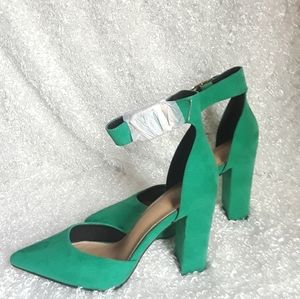 Charlotte Russe Pointed Top Ankle Strap shoes 8